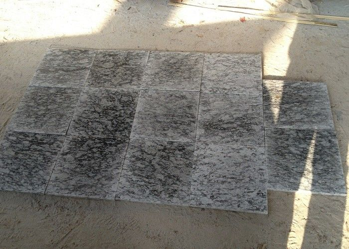 White Granite Slate Slabs For Steps , 2 - 3g / Cm³ Density Granite Tiles For Stairs