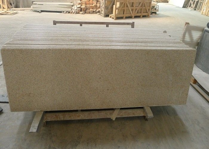 Yellow Granite Stone Tiles 2700kg / M³ Granite Density 20 / 30mm Thick